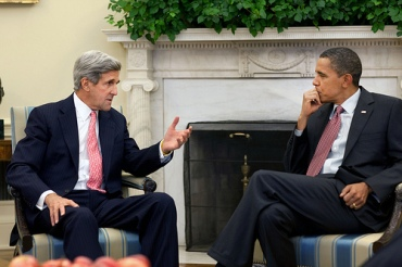 John-Kerry-with-Barack-Obama