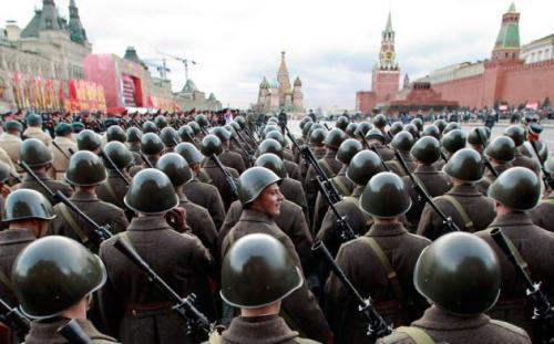 soldiers-helmets_2391254k-630x393
