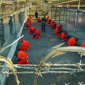 ΓΚΟΥΑΝΤΑΝΑΜΟ Εξέγερση κρατουμένων και μάχες με τουςφρουρούς