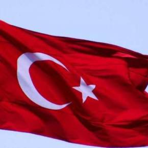 Πήγαν να σηκώσουν τουρκική σημαία στονΦλοίσβο