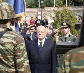 Σε στρατιωτική μονάδα θα κάνει Πάσχα ο Παπούλιας.Στην ακριτική Κόνιτσα ο Πρόεδρος τηςΔημοκρατίας