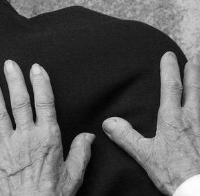 ΓΙΑ ΝΑ ΠΛΗΡΩΣΕΙ ΤΗ ΔΕΗ ΑΠΟΠΕΙΡΑΘΗΚΕ ΝΑ ΚΑΝΕΙ ΛΗΣΤΕΙΑ – ΝΤΡΕΠΟΜΑΙ ΛΕΕΙ ΣΗΜΕΡΑ Η 70ΧΡΟΝΗ ΠΟΥ ΟΜΟΛΟΓΕΙ ΠΩΣ ΘΟΛΩΣΕ ΤΟ ΜΥΑΛΟΤΗΣ