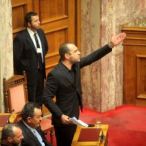 ΒΙΝΤΕΟ-Το επεισόδιο με την αποβολή του Ηλιόπουλου-Τι λέει η Χρυσή Αυγή για τα «χάιλΧίτλερ»