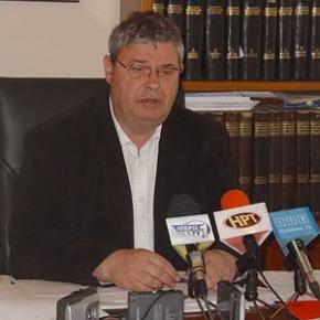 Περιφερειάρχης καταχρέωσε το Ελληνικό Δημόσιο χορηγώντας Βιβλιάρια Υγείας σε …Αλβανούς!!