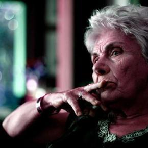 Στο πλευρό της Κικής Δημουλά η Εταιρεία ΕλλήνωνΣυγγραφέων