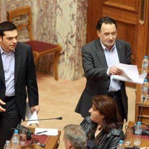 ΣΥΡΙΖΑ: «Αποστάσεις ασφαλείας» από το ΑΚΕΛ και την έξοδο από το ευρώ παίρνει η πλευράΤσίπρα