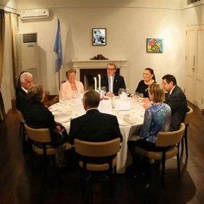Κυπριακό: Έκανε πίσω ο Αλεξάντερ Ντάουνερ …ας μηβιαστούμε