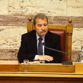 Γ. Τραγάκης: Μείωση βουλευτικής αποζημίωσης σε όσους παραβαίνουν τονΚανονισμό