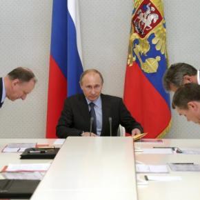 Ο «κόκκινος Πάνος» στην δύσπιστη «κόκκινη αρκούδα» – Δύσκολο ταξίδι στην Μόσχα γιαΠαναγιωτόπουλο