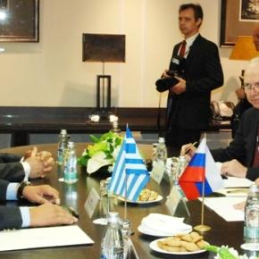 Συνάντηση του Έλληνα με τον Ρώσο υπουργόΆμυνας