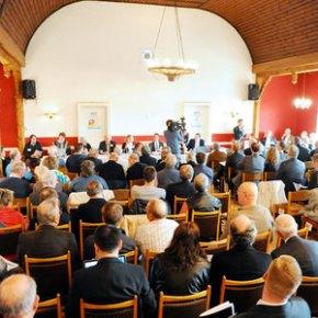 ΑΠΟΡΡΗΤΗ ΕΚΘΕΣΗ ΤΟΥ SPD.Ανησυχία για το νέο κόμμα των ευρωσκεπτικιστών στηΓερμανία