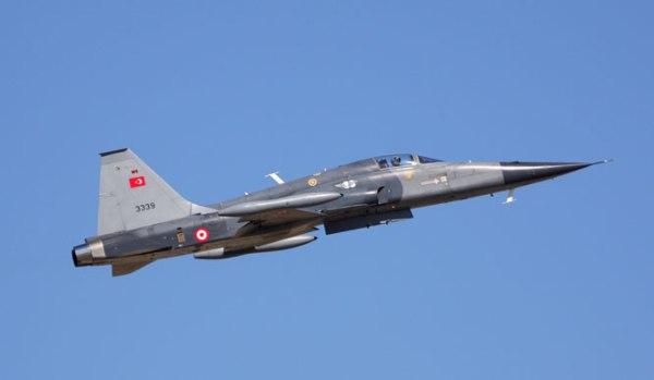 Typhoon-fighter-jet-UK-F-4-2000-Mirage-2000-9-F-5-B737-AEWC-Turkish-F-16-Panavia-Tornado-Fighter-Jet-of-Royal-Saudi-Air-Force-(RSAF)-@-Anatolian-Eagle-2012-(14)