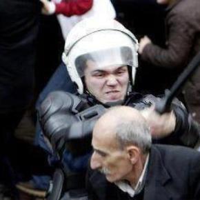 Ερντογάν προς διαδηλωτές : »  Μην τα βάζετε μαζί μας, αν εσείς είστε 200.000 εγώ μπορώ να κατεβάσω 1.000.000″