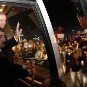 ΤΟΥΡΚΙΑ: Ο Ερντογάν οδηγεί σε πόλωση καισύγκρουση