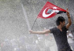 Ο Ερντογάν κατεβάζει το στρατό στους δρόμους – Τι δήλωσε ο αντιπρόεδρόςτου