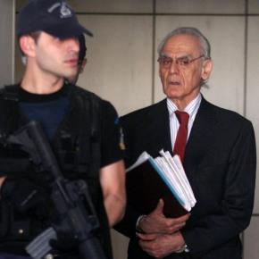 Ένταση στη δίκη για τις συμβάσεις τωνυποβρυχίων