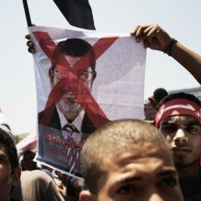 Δεκάδες εκατομμύρια υπογραφές κατά του Μόρσι στηνΑίγυπτο…