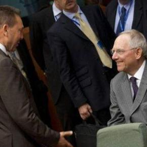 Στην Αθήνα ο Σόιμπλε, μετά από πρόσκληση του Γ. Στουρνάρα.Οι λεπτομέρειες της επίσκεψης θα «κλείσουν» στο περιθώριο του Eurogroup τηςΠέμπτης.