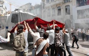 Βίαιες αντικυβερνητικές διαδηλώσεις στην Τουρκία #occupygezi (ΣΥΝΕΧΗΣΑΝΑΝΕΩΣΗ)