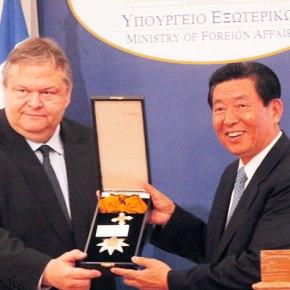 «ΑΠΑΤΟ» ΠΗΓΕ ΤΟ «SUCCES STORY» Αποδομούν όλες τις μη αρεστές επενδύσεις στην Ελλάδα: Η τρόϊκα «έφαγε» τον «ΚάπτενΓουέϊ»!