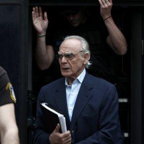 Αρνήθηκε να απολογηθεί ο Άκης Τσοχατζόπουλος στοδικαστήριο