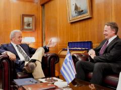 Συνάντηση Αβραμόπουλου με τον πρέσβη τωνΗΠΑ.