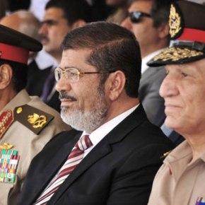 ΣΕ ΚΑΤ'ΟΙΚΟΝ ΠΕΡΙΟΡΙΣΜΟ Ο Μ.ΜΟΡΣΙ; Στρατιωτικό κίνημα στην Αίγυπτο – Οι ένοπλες δυνάμεις κατέλαβαν τηνεξουσία