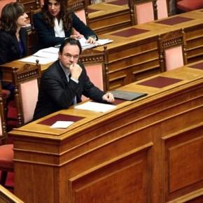«Καυτή» εβδομάδα για την κυβέρνηση.Αποφασίζει σήμερα η Βουλή για την παραπομπή Παπακωνσταντίνου