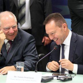 «Ναι μεν, αλλά» Σόιμπλε, για το κατοχικό δάνειο.«Θα συζητήσουμε για νέα μέτρα μείωσης του χρέους το 2014», είπε ο Γερμανός υπουργόςΟικονομικών