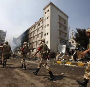 Σφαίρες για «αυτοάμυνα» των αστυνομικών στηνΑίγυπτο