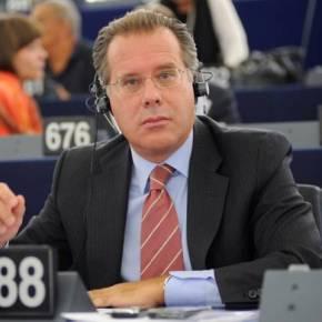 Κίνηση Κουμουτσάκου στο Ευρωκοινοβούλιο, «απέχει» τοΥΠΕΞ…