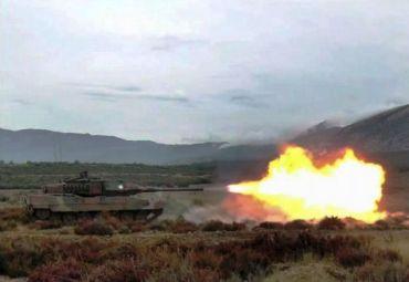 Leopard_2HEL_firing