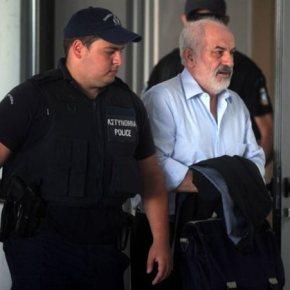 Δίκη Τσοχατζόπουλου: Με δάκρυα και στίχους του Μ. Αναγνωστάκη απολογήθηκε ο Γ. ΣμπώκοςΑγνοια για τις παράνομες δραστηριότητες του Ακη δήλωσε ο ΦώτηςΑρβανίτης