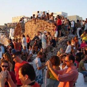 «Απογειώθηκαν»οι αφίξεις ξένων τουριστών τονΙούλιο