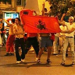Συμπλοκή Ελλήνων και Αλβανών με ρόπαλα και μαχαίρια στο Μοναστηράκι, έξι τραυματίες!
