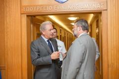 Αβραμόπουλος με γερμανό πρέσβη – Πολλά τα«θέματα»