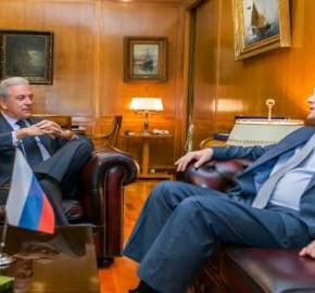 ΣΕ ΜΙΑ ΔΥΣΚΟΛΗ ΣΥΓΚΥΡΙΑ…Συνάντηση Δ. Αβραμόπουλου με το Ρώσοπρεσβευτή