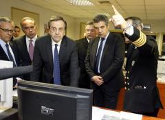 Ο πρωθυπουργός Αντώνης Σαμαράς κατεβαίνει αύριο το πρωί στη βάση της ΜΥΚ στονΣκαραμαγκά.