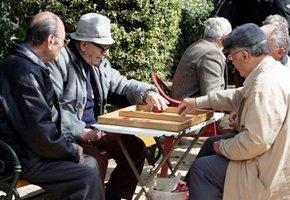 2.706.924 οι συνταξιούχοι, €921 η μέσησύνταξη
