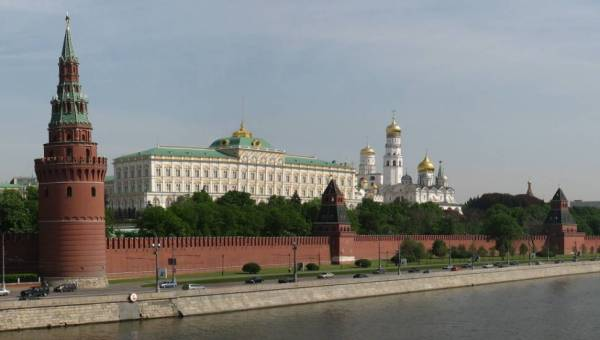 Kremlin2L