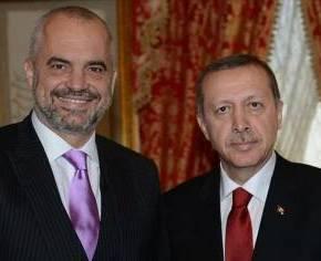 ΑΝΤΙΡΑΣΕΙΣ ΓΙΑ ΤΗ ΔΗΛΩΣΗ ΟΤΙ ΤΟ «ΚΟΣΟΒΟ ΕΙΝΑΙ ΤΟΥΡΚΙΑ»«Ο Ερντογάν είναι νεο-οθωμανόςνοσταλγός»