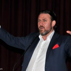 Τουρκία: Ο βλαμμένος σύμβουλος Ερντογάνξαναχτύπησε!