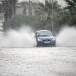 Έκτακτο δελτίο επιδείνωσης του καιρού: Ισχυρές βροχές και καταιγίδες από ταδυτικά