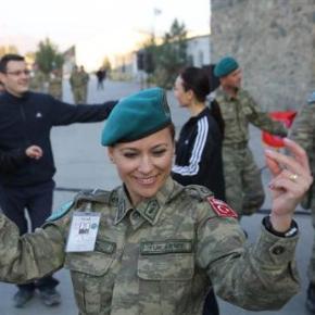 Επιστράτευσαν Τουρκάλες τσιφτετελούδες για να διδάξουν Τουρκικά στο Αφγανιστάν!