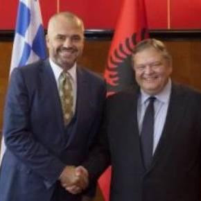 Θέλει να βάλει την Αλβανία στηνΕ.Ε.