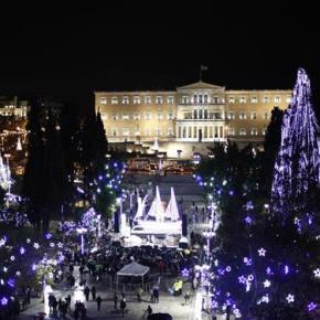Αναψε το χριστουγεννιάτικο καράβι στην πλατείαΣυντάγματος