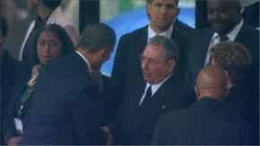 100 ηγέτες στην τελετή στο Σοβέτο.Ιστορική χειραψία Ομπάμα – Ραούλ Κάστρο στην εκδήλωση για τονΜαντέλα