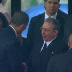 ΗΠΑ: Δεν ήταν προγραμματισμένη η χειραψία μεταξύΟμπάμα-Κάστρο