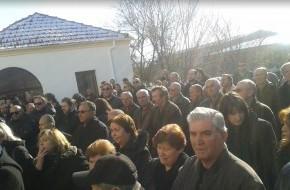 Θρήνος και οδύνη στη κηδεία του Ηλία … Ράγισαν και οι πέτρες στο χωριό του!