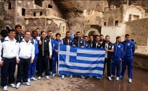 Η ελληνική σημαία από Κύπριους Έλληνες στην Τραπεζούντα…